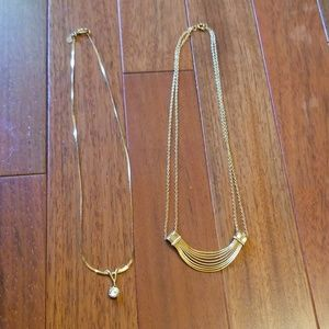 2 Vintage necklaces